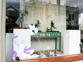 hues-gallery-window.jpg